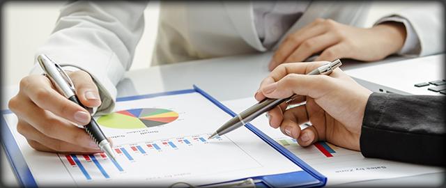 Advisors Analyzing Graphs